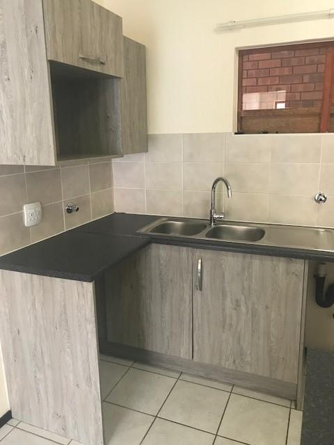 Property For Rent in Olivedale, Randburg 3
