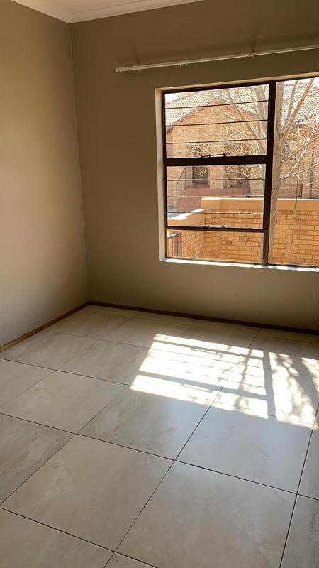 Property For Rent in Bergbron, Roodepoort 7