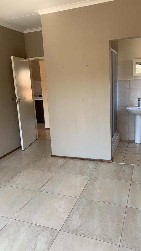 Property For Rent in Bergbron, Roodepoort 10