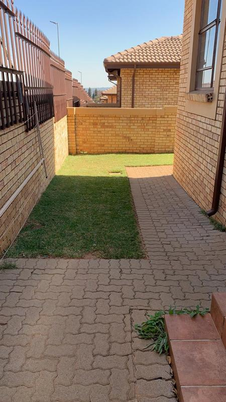 Property For Rent in Bergbron, Roodepoort 12