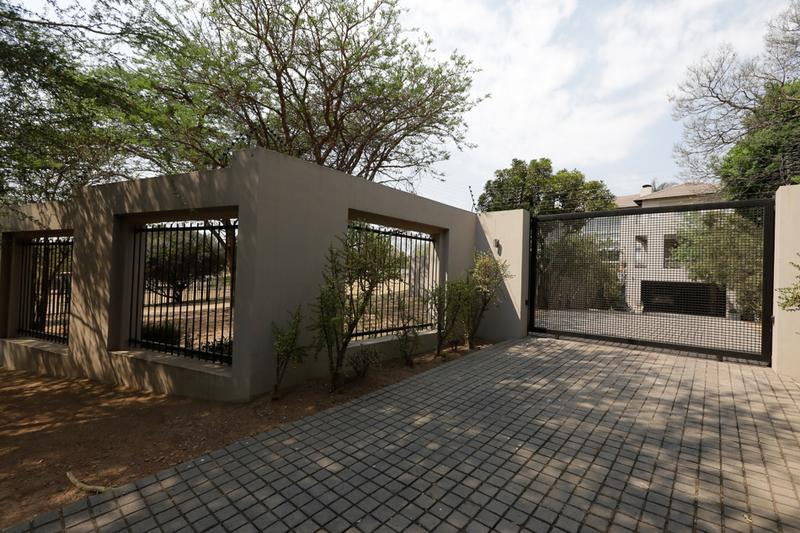 House For Sale in Lonehill, Sandton